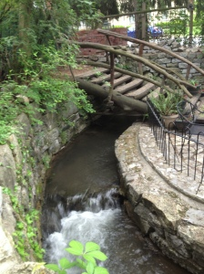 And ate at our favorite restaurant, the Blue Moon Cafe. I love the stream that runs through it (and most of the town)!