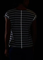 REI Novara Wicker Park Bike Top showing reflective details