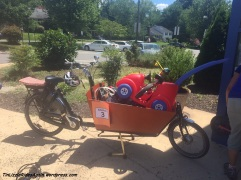 Have bakfiets, will transport anything!