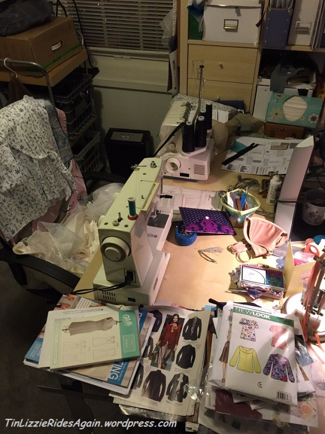 OMG messy sewing table! Too many projects!