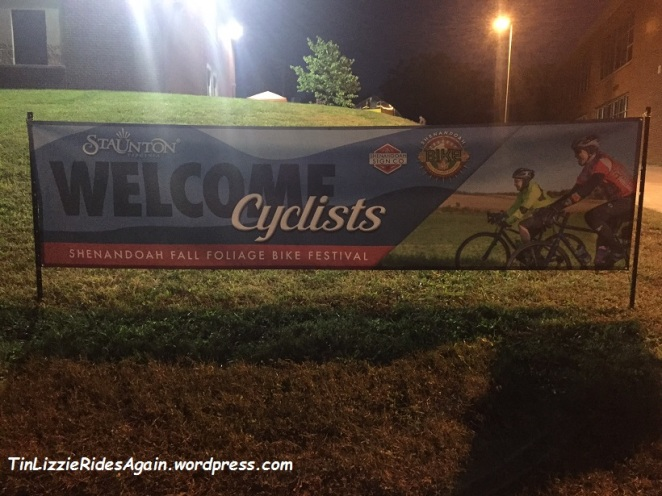staunton-welcomes-cyclists-sign
